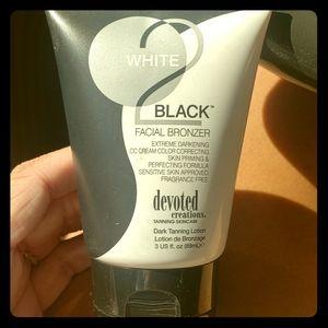 White2black facial bronzer